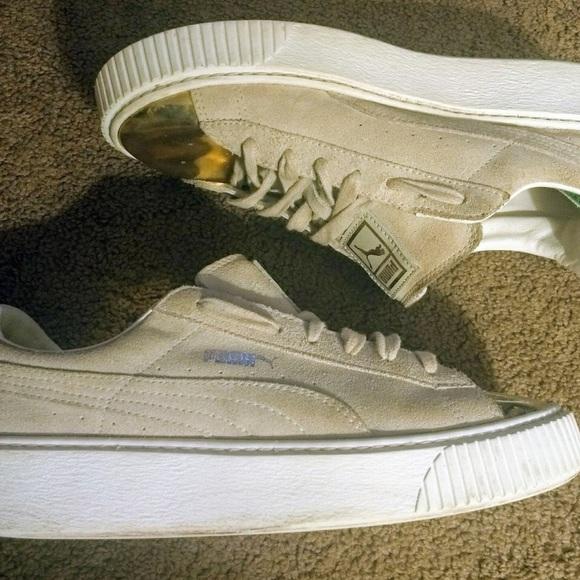 62aeb623a750 Gold gray suede puma platform creeper sneaker 7.5.  M 5b775c761e2d2dedc67ff9c1